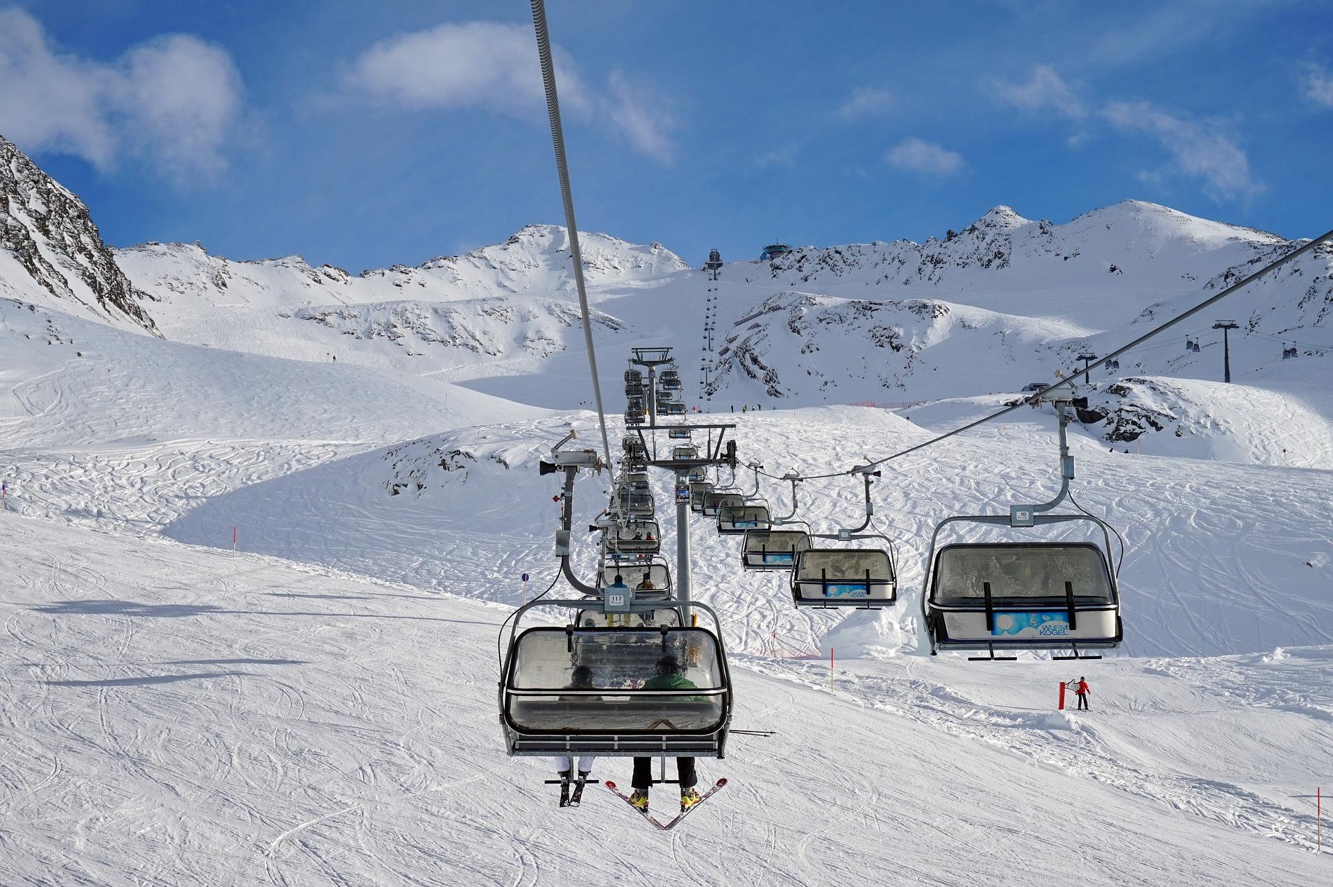 Preparing For A COVID-19 Collingwood Ski Season